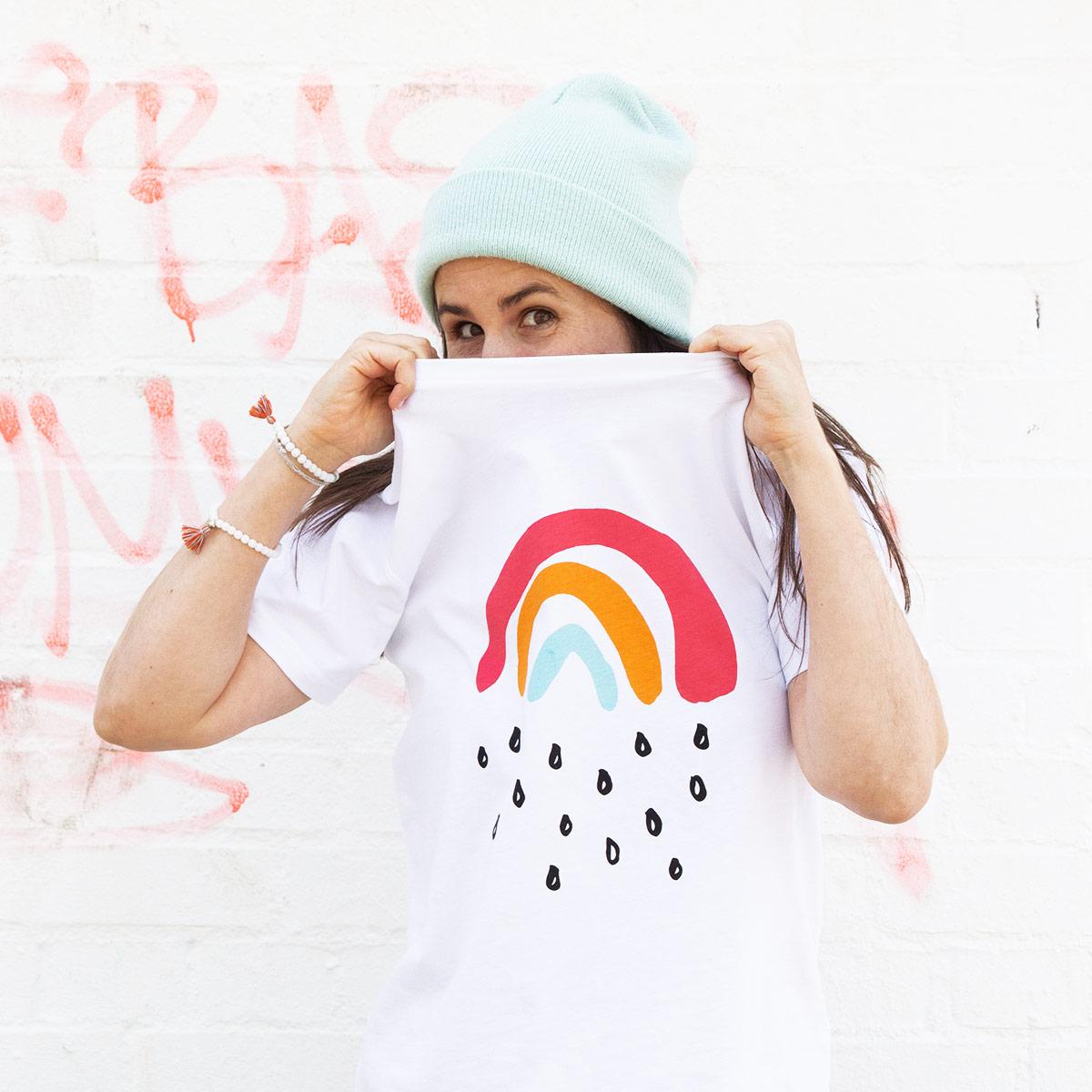 T-Shirt Kleiner Regenbogen von Jakob&Tatze