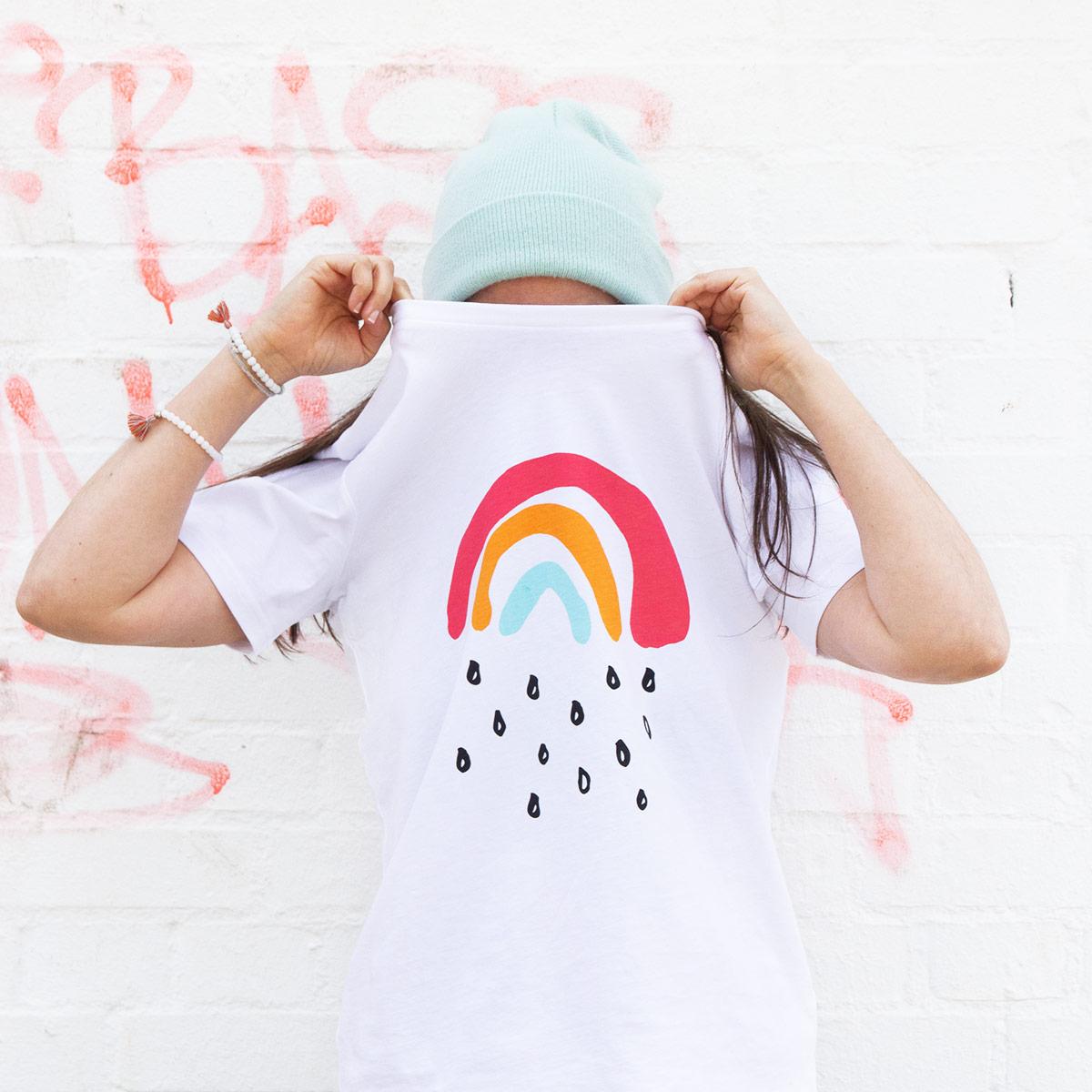 T-Shirt für Erwachsene mit dem Motiv Kleiner Regenbogen