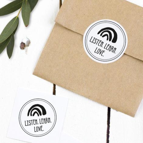 Spenden-Sticker Listen. Learn. Love. rund Kleine Papeterie