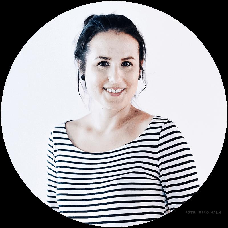 Porträtbild Sarah Gilgien Gründerin und Designerin von Kleine Papeterie